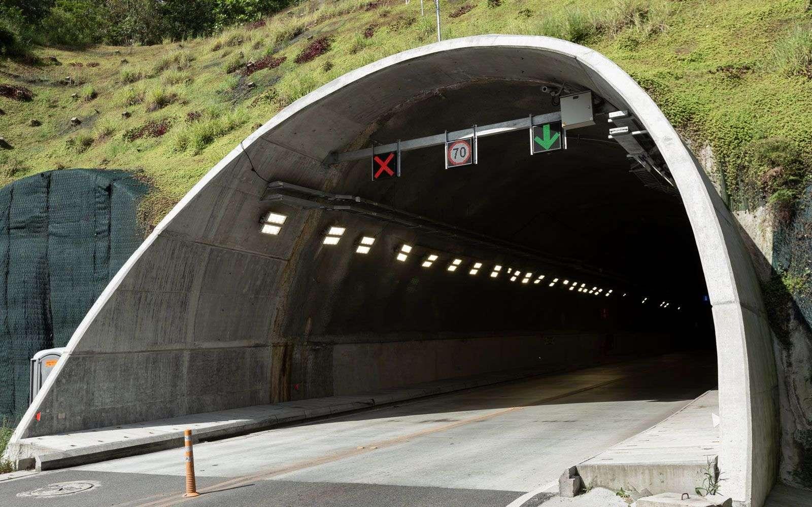 Exitoso cierre de emisión Túnel de Oriente